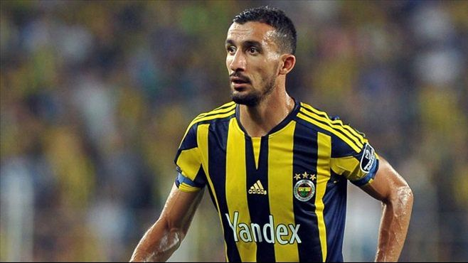 Fenerbahçe'den Mehmet Topal'a yeni sözleşme